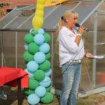 Astrid Thiele-Jérome eröffnet den Kirmesnachmittag.