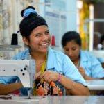 Laura, 17 Jahre - Ausbildungskurs (Schneiderhandwerk) im Kinderheim Comunidad Ancieto Solares, Vallegrande, Departamento Santa Cruz, Bolivien; Foto: Florian Kopp/SMMP