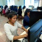 Celia, 14 Jahre - Informatik-Unterricht, Kinderheim und Ausbildungszentrum Comunidad Ancieto Solares, Vallegrande, Departamento Santa Cruz, Bolivien; Foto: Florian Kopp/SMMP