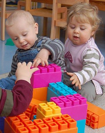 Auch Kleinkinder finden im Bergkindergarten ein ideales Umfeld. Die Einrichtung nimmt bereits Kinder ab vier Monaten auf.