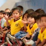 """Kinder, 2 und 3 Jahre, im Sportunterricht, Montessori-Kindergarten und -Grundschule """"Kinderhaus Santa Maria Magdalena Postel"""", Cochabamba, Departamento Cochabamba, Bolivien; Foto: Florian Kopp/SMMP"""