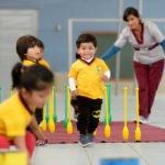 """Andre, 2 Jahre, Sportunterricht, Montessori-Kindergarten und -Grundschule """"Kinderhaus Santa Maria Magdalena Postel"""", Cochabamba, Departamento Cochabamba, Bolivien; Foto: Florian Kopp/SMMP"""