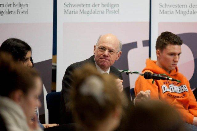 Widersprüche werden nicht vermieden, wenn man sich aus den Problemen dieser Welt heraushält: Für Norbert Lammert ist es eine christliche Pflicht, Verantwortung zu übernehmen. (Foto: SMMP/Beer)