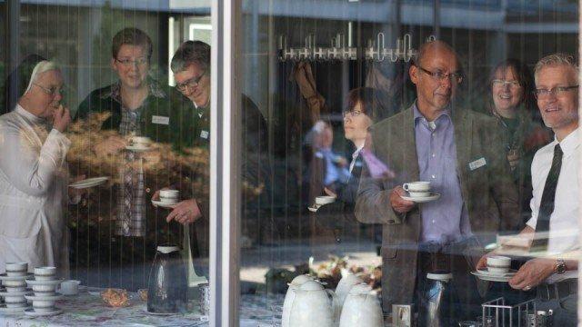 Pause mit fair gehandeltem Kaffee. Den soll es bei SMMP jetzt immer öfter geben. (Foto: SMMP/Beer)