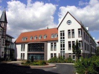 """Das Bergkloster Heiligenstadt liegt auf dem """"Klosterberg"""" am Rand des historischen Ortskerns. Foto: SMMP/Bock"""