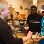 Abendessen in der Manege: Heute gibt es Königsberger Klopse oder Schichtkohl mit Gehacktem. Foto: SMMP/Bock