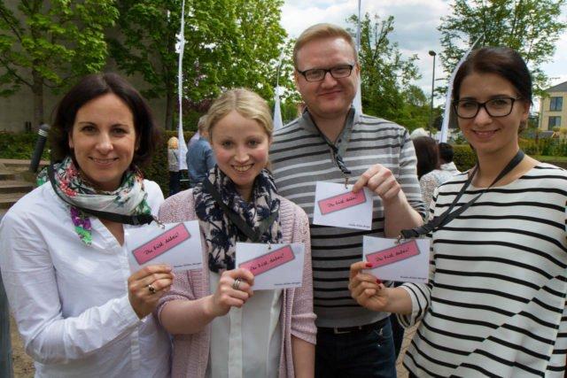 """Die Steuerungsgruppe für das Programm """"Binden. Bilden. Bewegen."""" (v.l.): Daniela Kaminski, Sarah Vogel, Dennis Beilfuss und Carina Rothfeld. Foto: SMMP/Bock"""