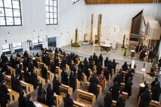 Weit über 100 Schwestern waren am Samstag zu der Jubilargfeier nach Bestwig gekommen. Foto: SMMP/Bock