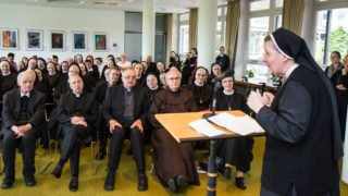 Provinzoberin Sr. Johanna Guthoff betonte, dass die Jubilarinnen auch Lebenskünstler sind. Foto: SMMP/Bock