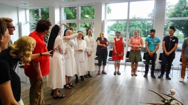 Bewegung, Spiele und Musik waren auch beim diesjährigen Pfingsttreffen wichtige Elemente. Foto: Sr. Judith Beule