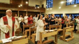 Höhepunkt des zweitägigen Treffens war der lebendige Gottesdienst am späten Samstagabend in der Dreifaltigkeitskirche. Foto: Sr. Judith Beule