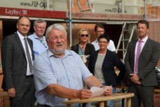 """Der Geschäftsführer der GmbH """"Störmede baut"""", Franz Pieper, freut sich über die Realisierung des wegweisenden Projektes für die Region. Foto: SMMP/Bock"""