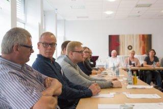 Rund 30 Mitarbeiter der Seniorenhilfe SMMP und auswärtige Gäste waren zu der Transfer-Veranstaltung ins Bergkloster Bestwig gekommen. Foto: SMMP/Andreas Beer