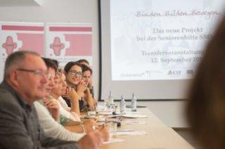 Aufmerksam folgen die Gäste dem Vortrag. Foto. SMMP/Andreas Beer